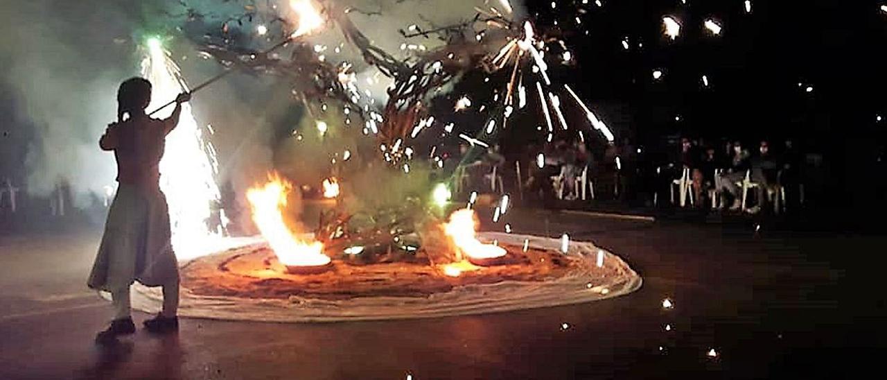 Visitants porta a Burjassot la seua olivera per la pau | V. RUIZ SANCHO