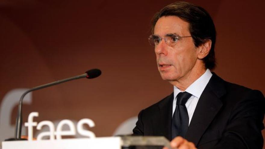 """Aznar alerta de """"un momento crítico"""""""