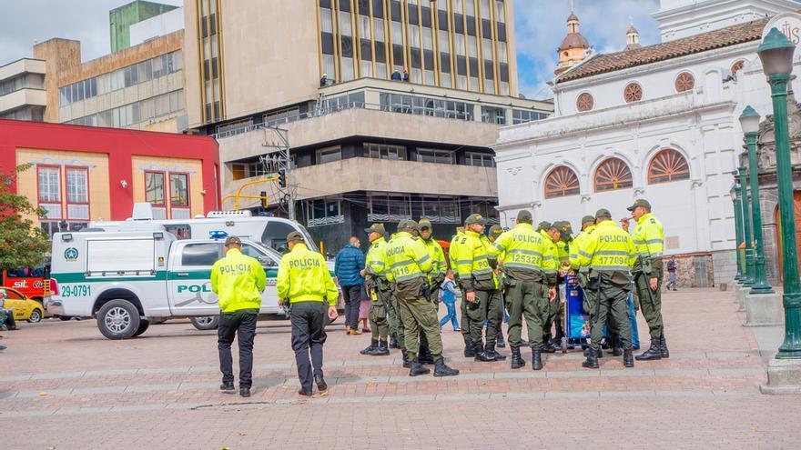 Detienen a tres policías colombianos por un incendio que dejó ocho muertos