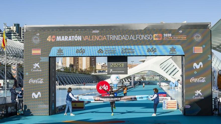 Chebet bate el récord de València y Landessem logra nueva plusmarca española
