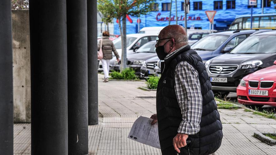 Manuel Charlín, en el Juzgado por conducir sin carné y sufrir un accidente