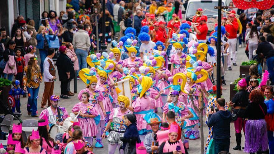 Las mascaritas invaden Moya durante el fin de semana grande de las carnestolendas