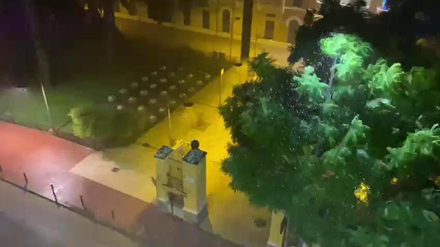 La alerta amarilla se extiende a toda la Región tras una madrugada con fuertes lluvias