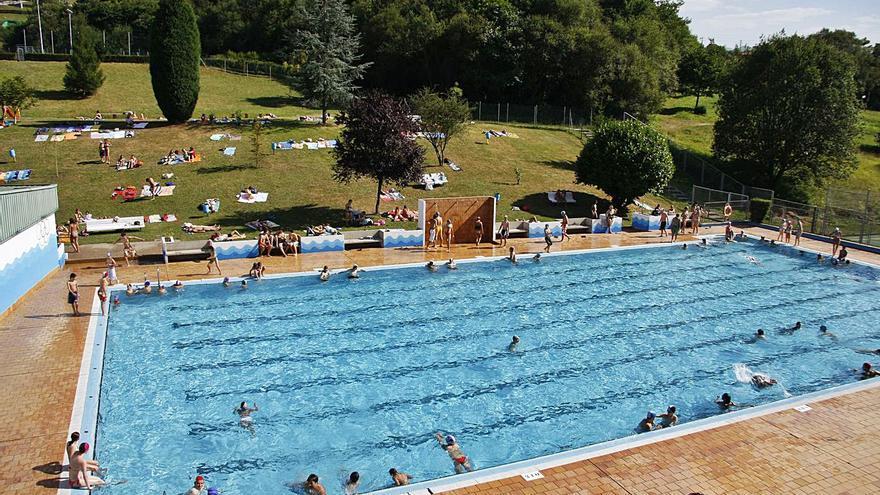 """""""La Confederación Hidrográfica dirá lo que se puede hacer con las piscinas de Pénjamo"""", afirma el ejecutivo langreano"""