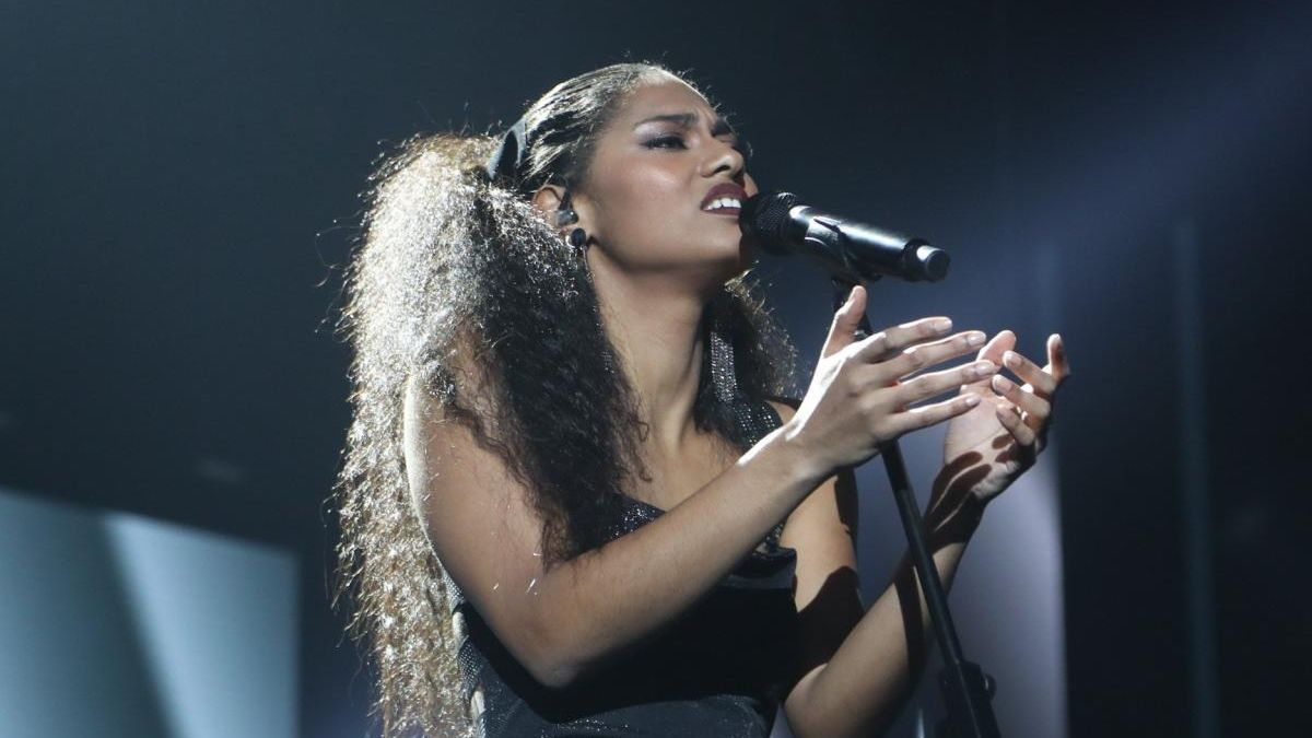 Singer Nia Correia during one of her performances at OT 2020.