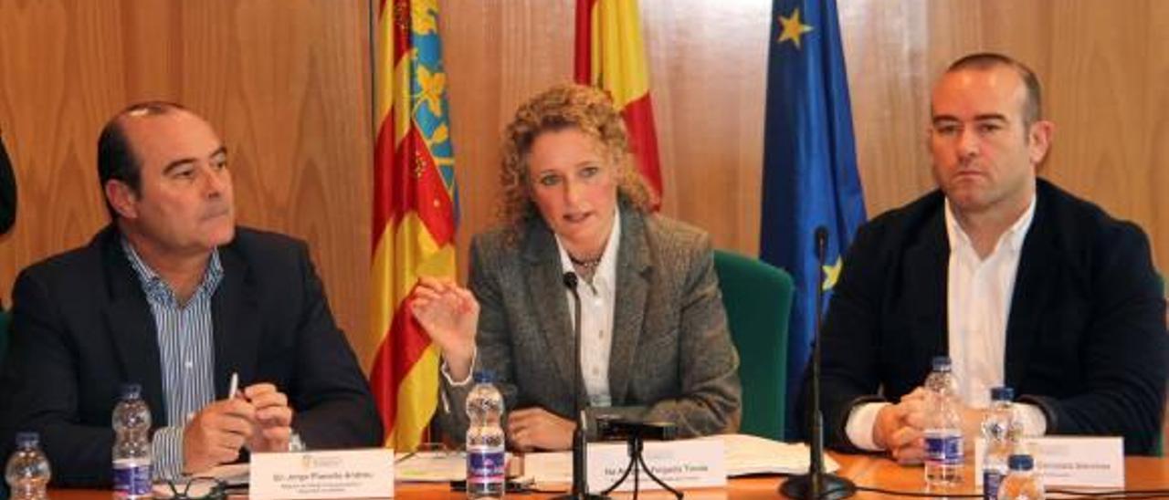 Torrent paga 20.000 euros al mes a los clubes para que usen gratis el polideportivo