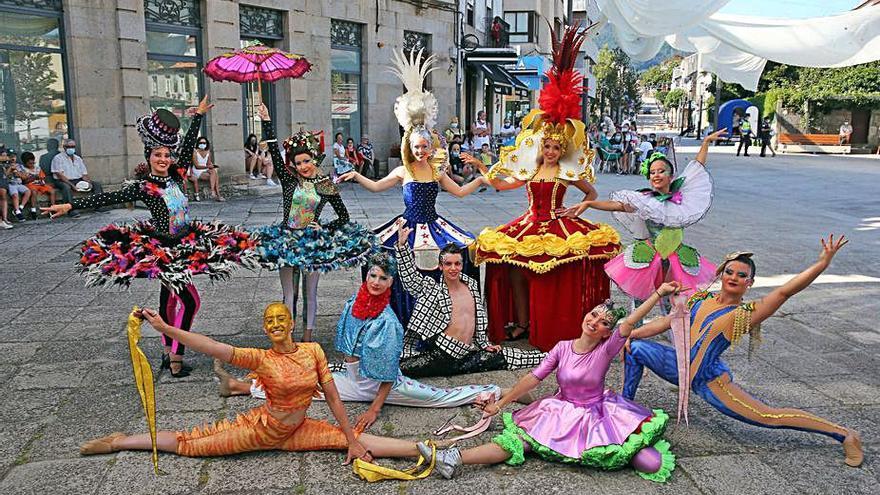 Disfraces, circo y verbena en el Carnaval de verano de Gondomar