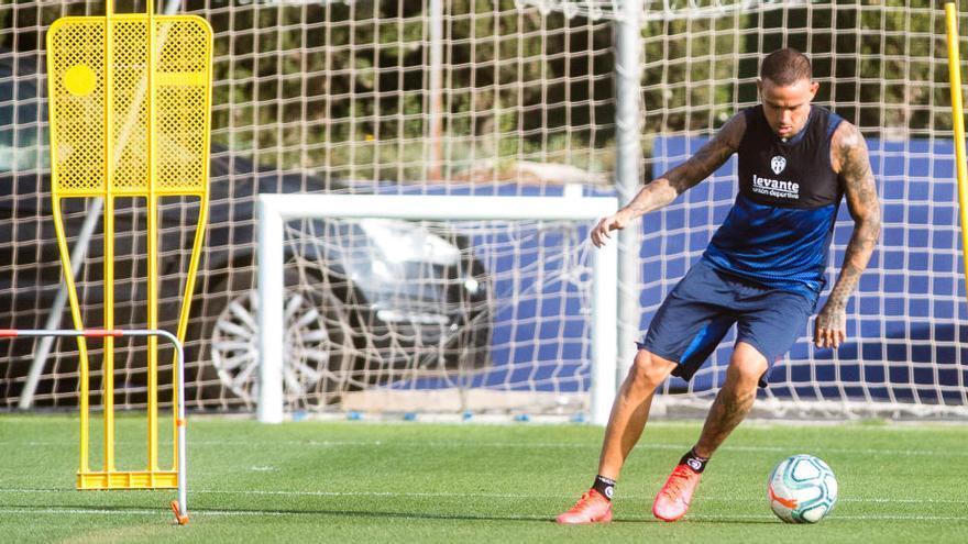 El entrenador del Nantes suspira por conservar a Moses Simon
