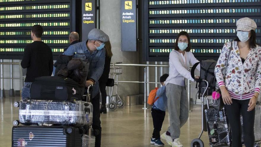 Los españoles viajaron un 30% menos hasta marzo y gastaron un 22,6% menos