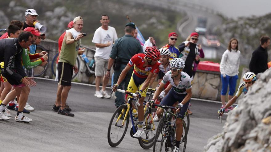 La Vuelta a España en Asturias: todo o nada con los Lagos como protagonistas