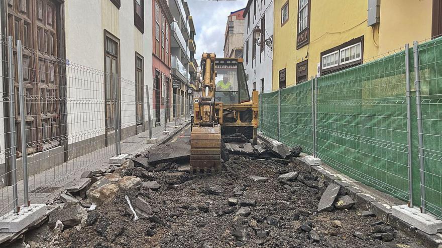 Comienza la peatonalización de  la calle Alcalde Alonso Suárez