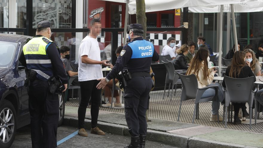 Oviedo denunció 137 incumplimientos de la normas sanitarias durante el puente festivo