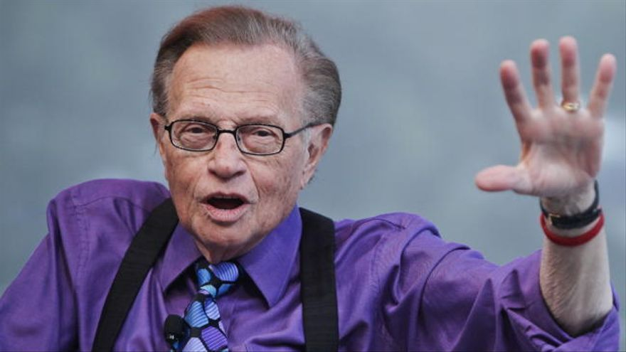 Muere el legendario periodista Larry King