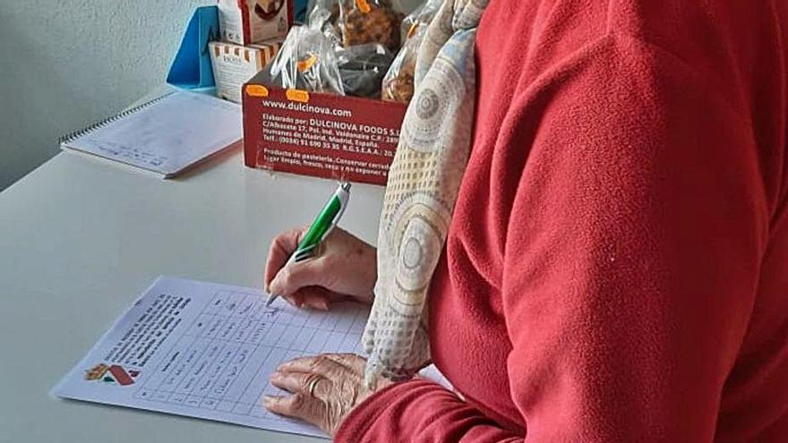Vecinos de El Cubo apoyan una recogida de firmas para mantener el servicio bancario
