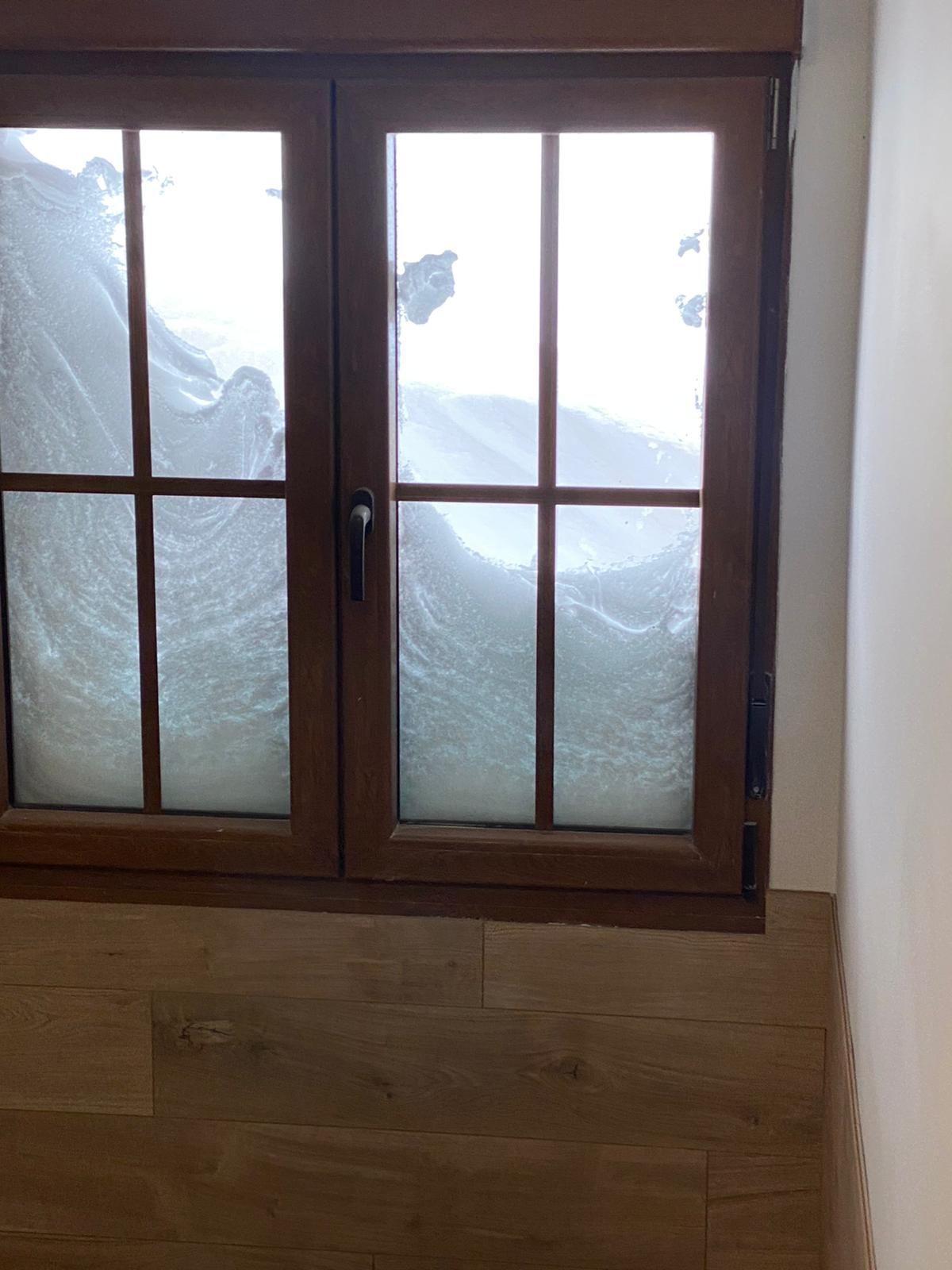 Más de dos metros de nieve: así se enfrentan los vecinos de Aller al temporal