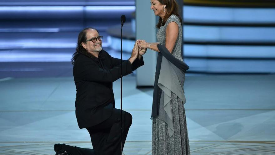 Glenn Weiss protagonizó en los Emmys la mejor propuesta de matrimonio del mundo