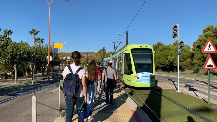 Tranvía de Murcia refuerza el servicio en hora punta a partir de este martes