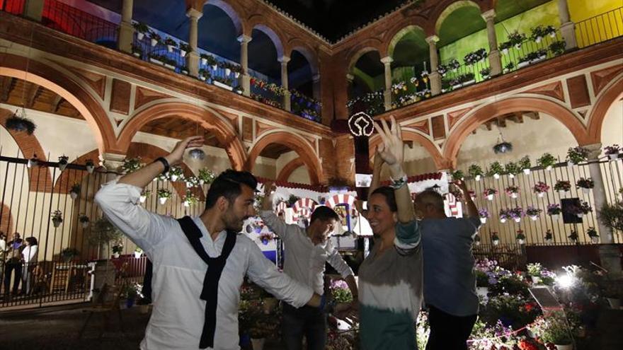 Coronavirus en Córdoba: La cruz de las cruces de mayo