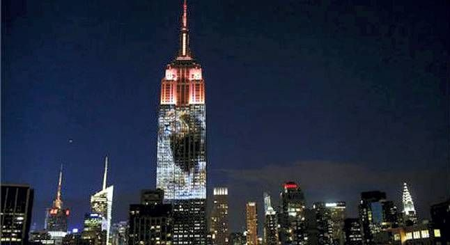 Homenaje al león Cecil en Nueva York