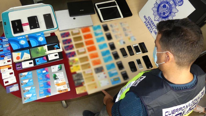 Cuatro detenidos en Benidorm por estafas masivas a través de internet