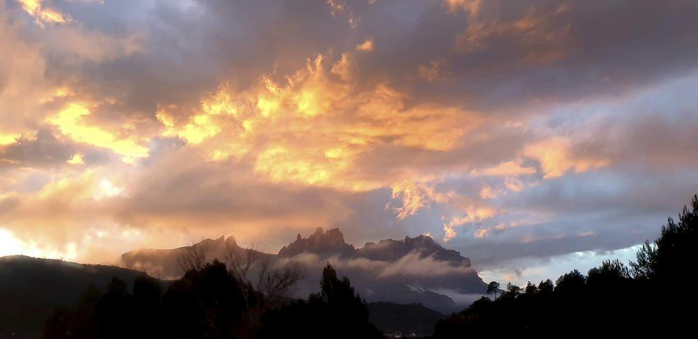 Posta de sol a Montserrat.