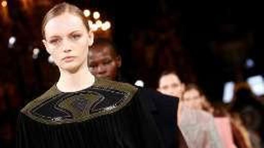 La diseñadora Stella McCartney se corona en la pasarela como la favorita de las famosas