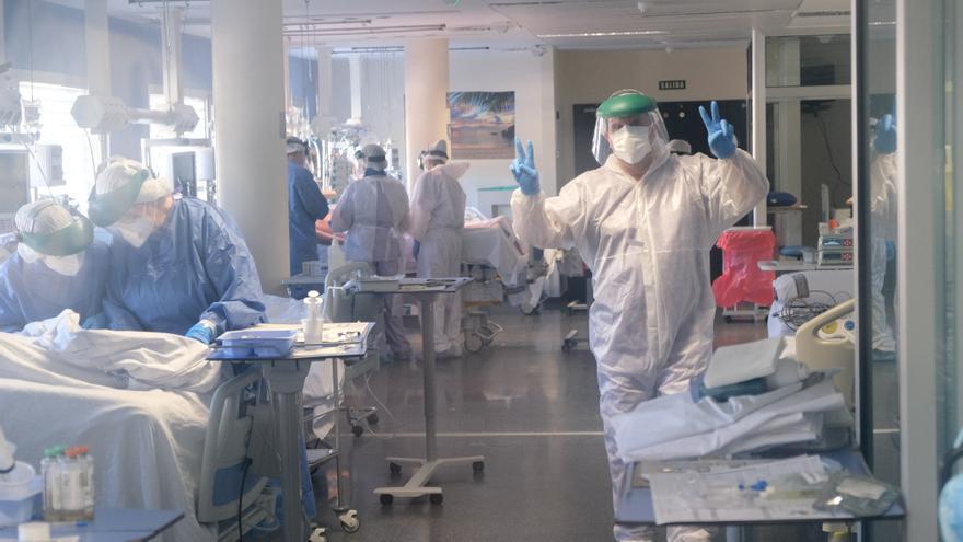 Las UCI de siete hospitales de la provincia de Alicante, libres de coronavirus