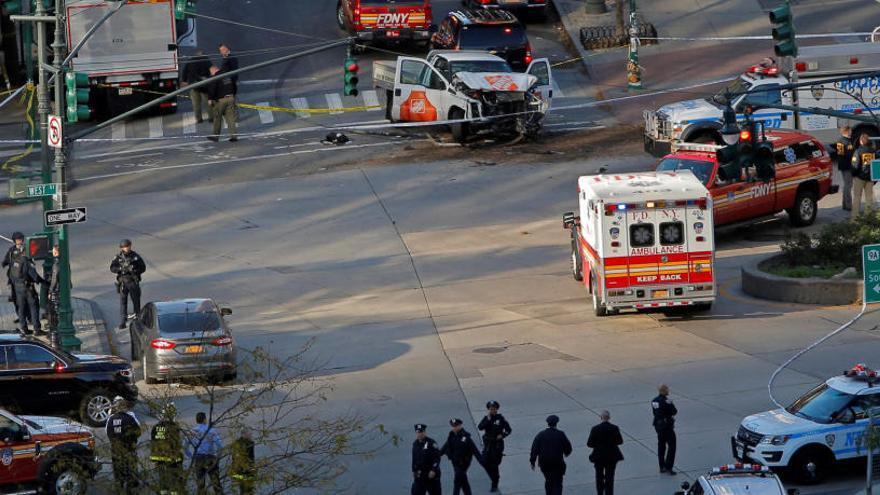 Vuit morts en un atac terrorista a Nova York