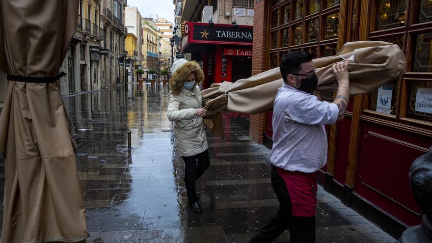 Sin denuncias a locales de Alicante en el primer día del cierre de la hostelería a las 17 horas