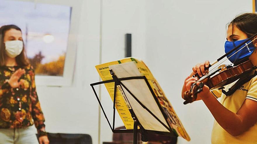 Les societats musicals reclamen que el seu professorat entre en el pla de vacunació docent