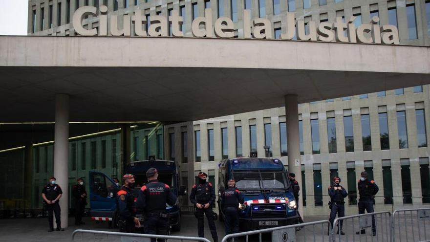 Los Mossos creen que se simularon como gastos de La Masia 192.000 euros del 'Barçagate'