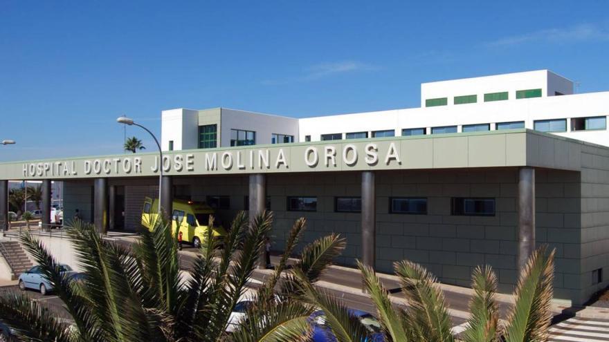 Un motorista resulta herido grave en Lanzarote