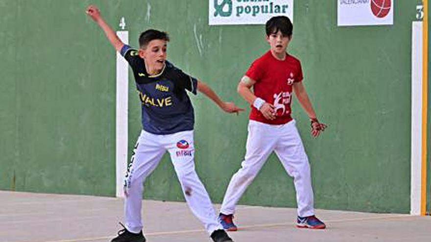 Les escoles tornen a competir  als JECV amb el frontó valencià