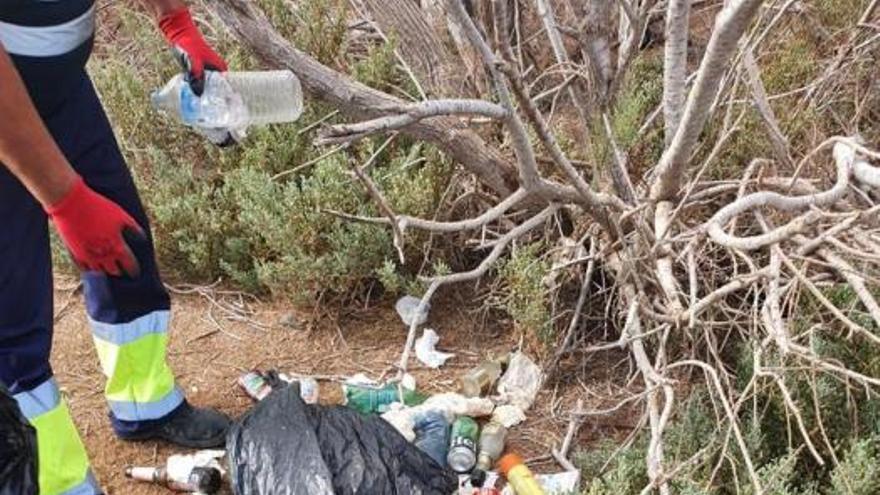 Retiran 1.500 kilos de basura de las Dunas de Maspalomas