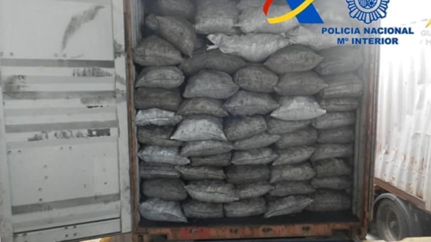 Desarticulen una organització dedicada al tràfic internacional de cocaïna que operava des de Tarragona