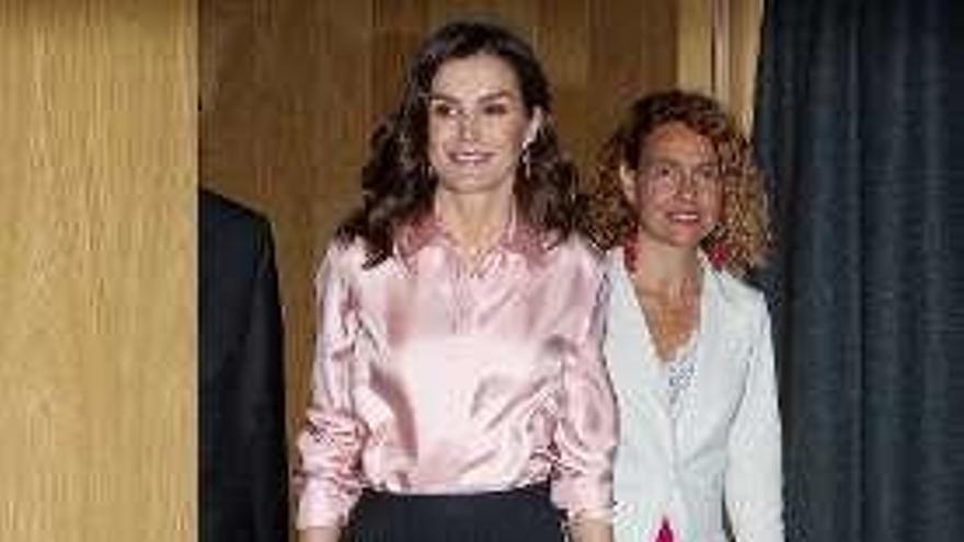 Letizia sorprende con una falda de la firma favorita de Kate Middleton