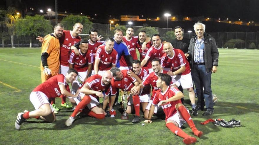 El Veteranos del Pilar se proclamó campeón en la Copa Federación