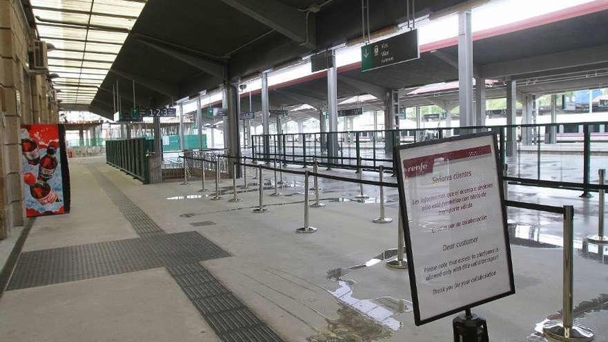 """Adif confirma que """"está todo parado"""" en las obras para la llegada del AVE a Galicia"""