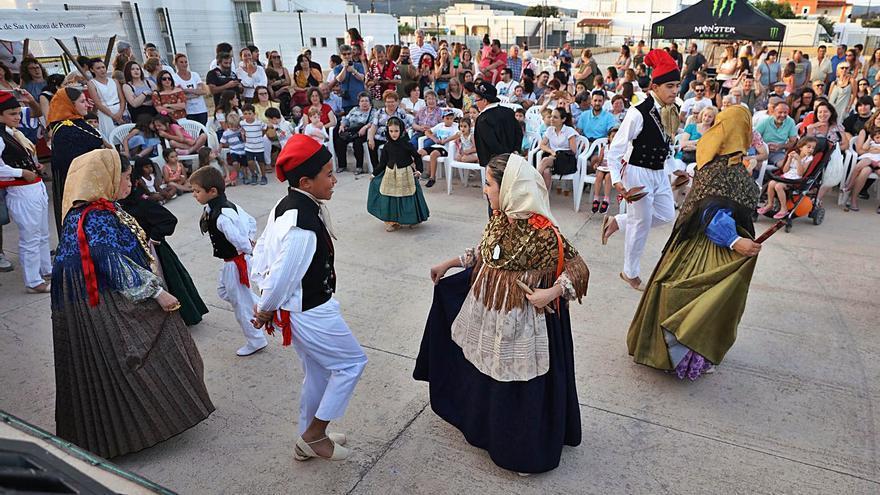 La Nit de Sant Joan del IEE regresa a Sant Josep en el 50 aniversario de la celebración