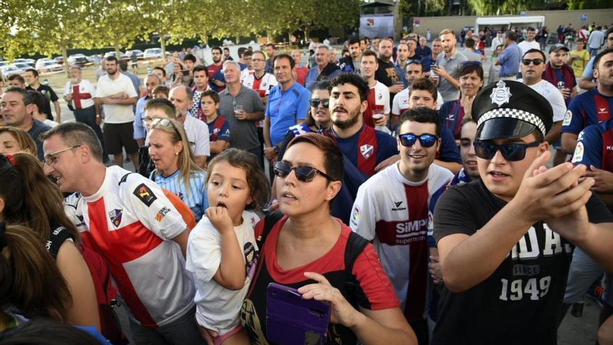 El nuevo Alcoraz abre sus puertas a la Primera División