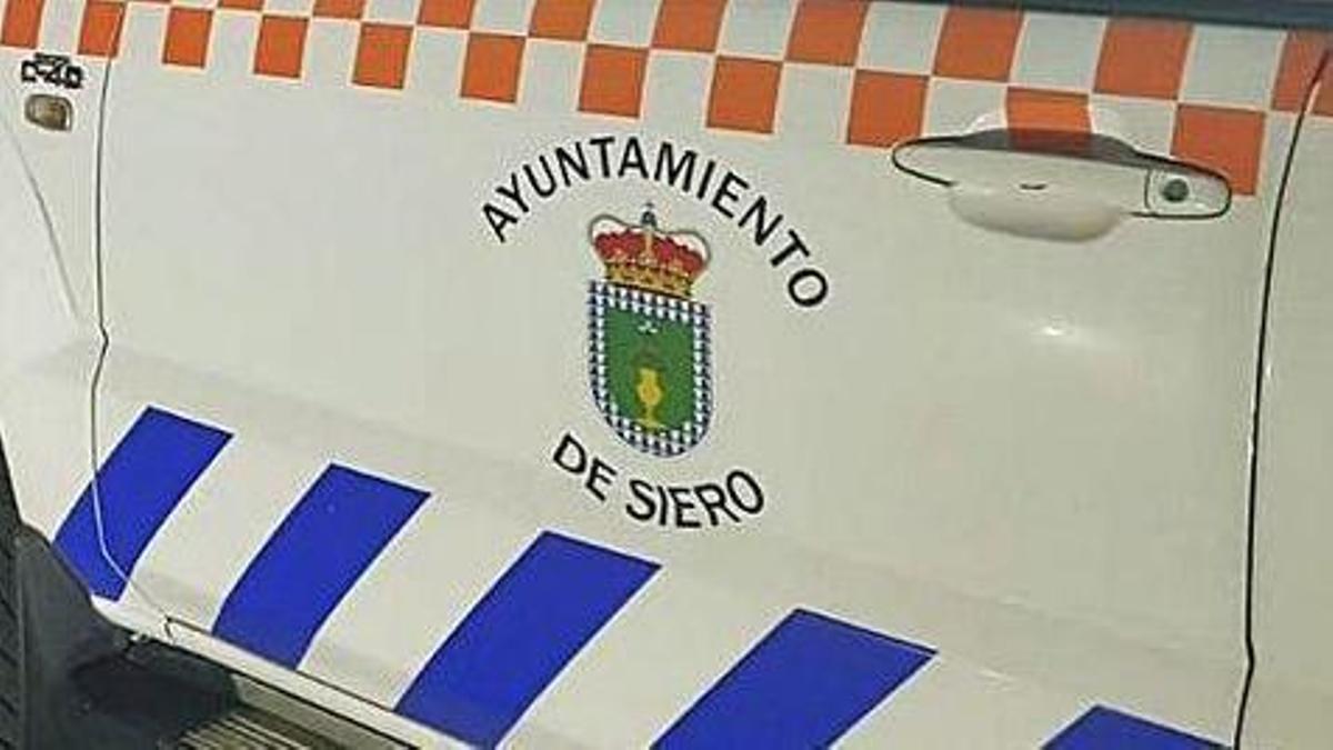 Un vehículo de Protección Civil de Siero