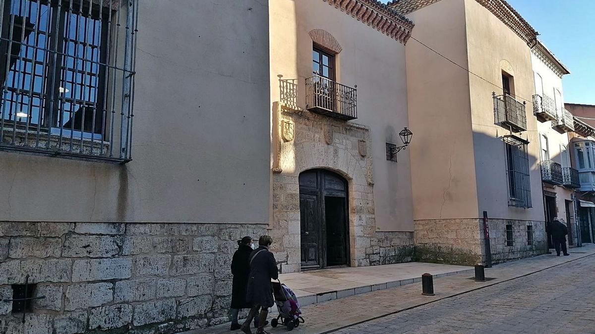 Casa de Cultura, uno de los servicios en los que se aplicarán nuevas restricciones por el COVID.   M. J. C.