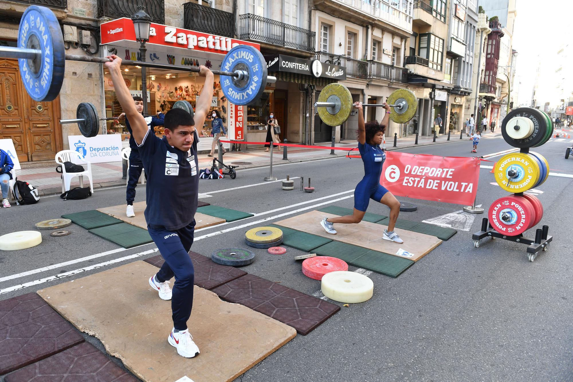 Actividades deportivas en San Andrés durante el día sin coches