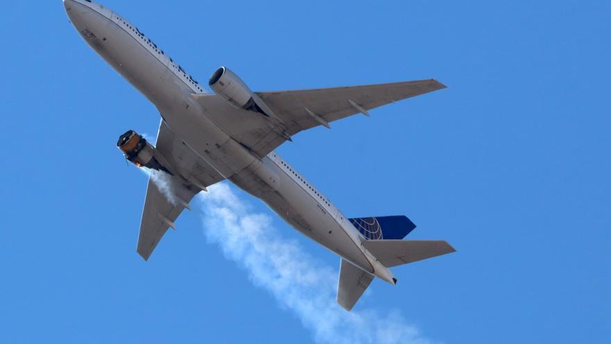 Un Boeing 777 aterriza de emergencia en Rusia por problemas con un motor