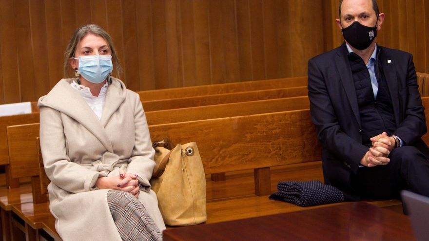 Dos años de cárcel y ocho de inhabilitación para Rafael Louzán y Luisa Piñeiro