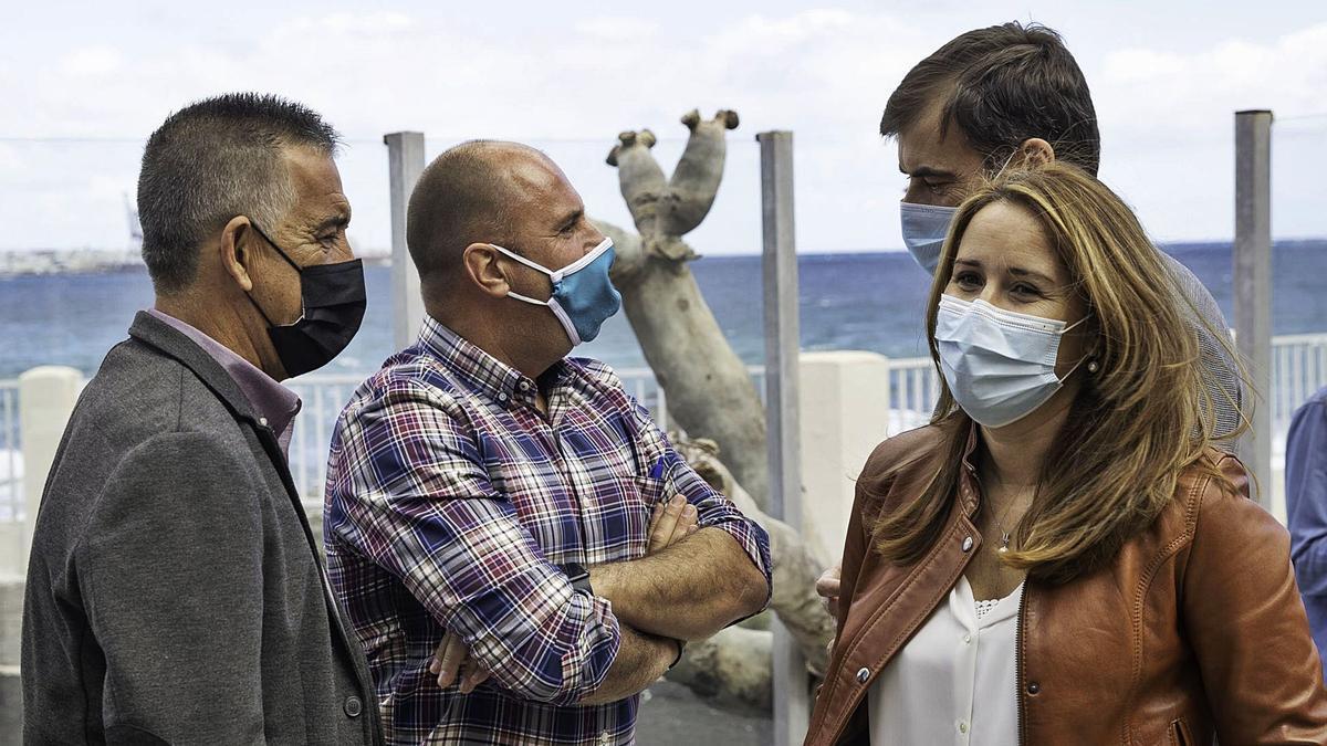 De izquierda a derecha, Claudio Gutiérrez (PP), Sergio Lloret (AMF) y Lola García (CC), ayer.