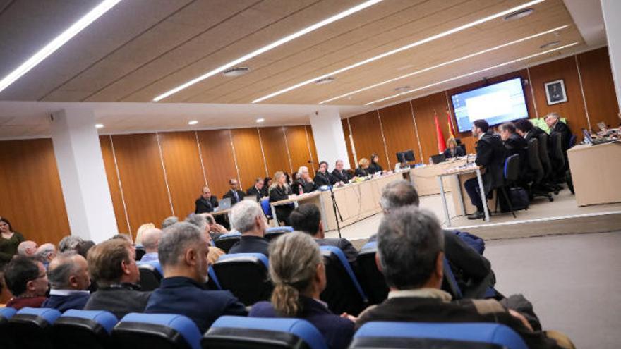 El juicio a los controladores por el caos aéreo de 2010 se celebra sin las grabaciones de la huelga
