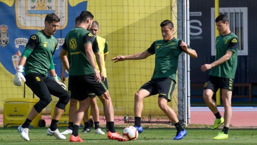 """Herrera mantiene los decibelios y se aferra a la remontada: """"¡Vamos, sí podemos!"""""""