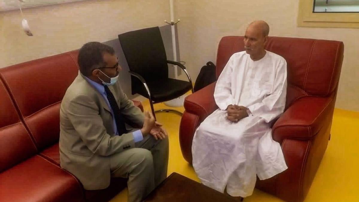 Brahim Ghali recibe al primer ministro saharaui, Bucharaya Beyun.