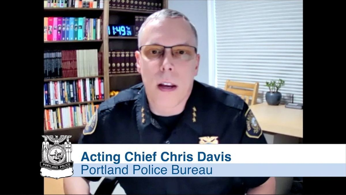 El jefe de policía Chris Davis habla sobre la dimisión en masa.